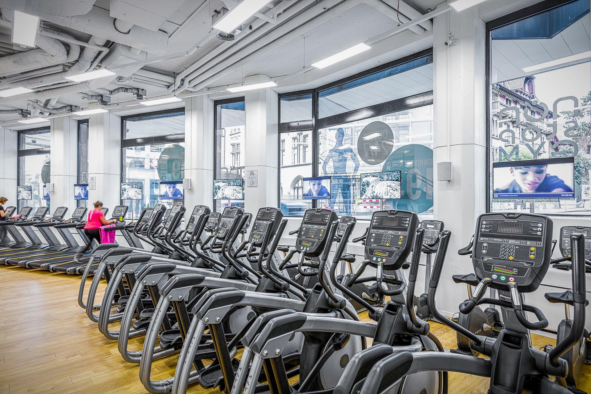 Non Stop Gym - Ecrans professionnels, Digital Signage pour fitness. Pixium - Avec Playlistes musicale et templates.